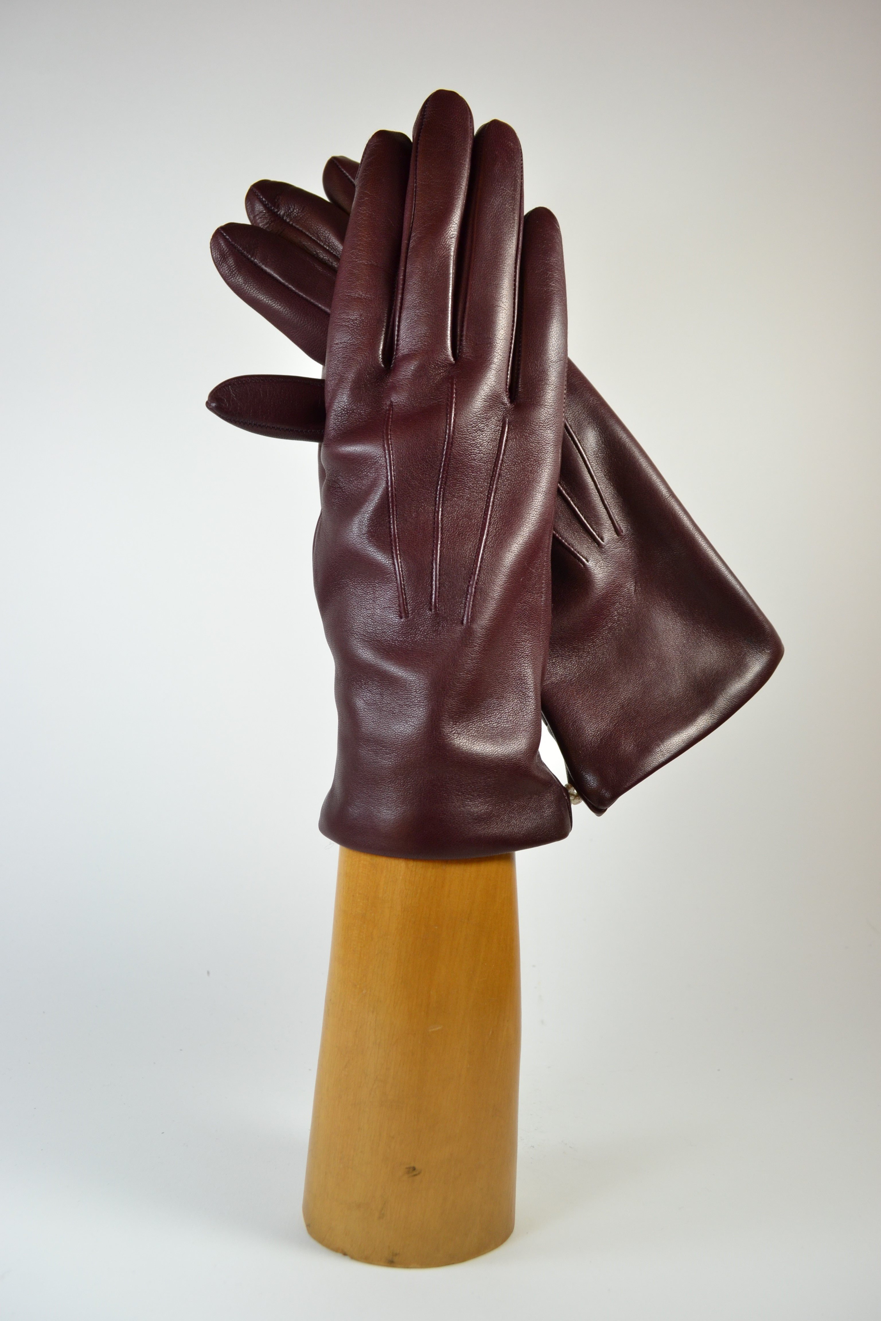 ladies nappa gloves, cashmere lined, eggplant